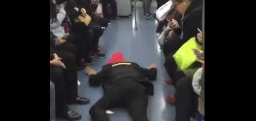 中国人が考案!電車で必ず座れる方法がDQNすぎると話題