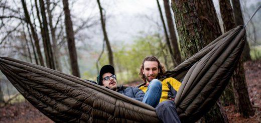 これひとつでキャンプはOK!テントと寝袋が合体したハンモック「SWAYY Hammocks」