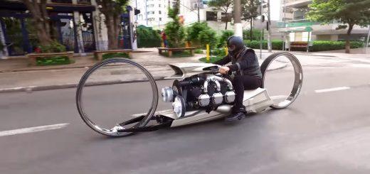 爆音がすごい!航空機用のジェットエンジンで走るカスタムバイクをF1レーサーが自作