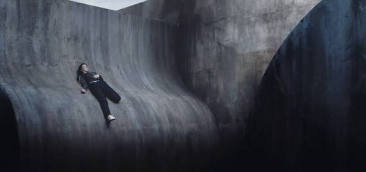 少しでも動けば奈落の底…短編映画『CURVE』をホラー・スリラー映画好き絶賛
