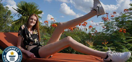 17歳が「世界で最も脚の長い女性」ギネス世界記録を更新!驚異の134cm超え